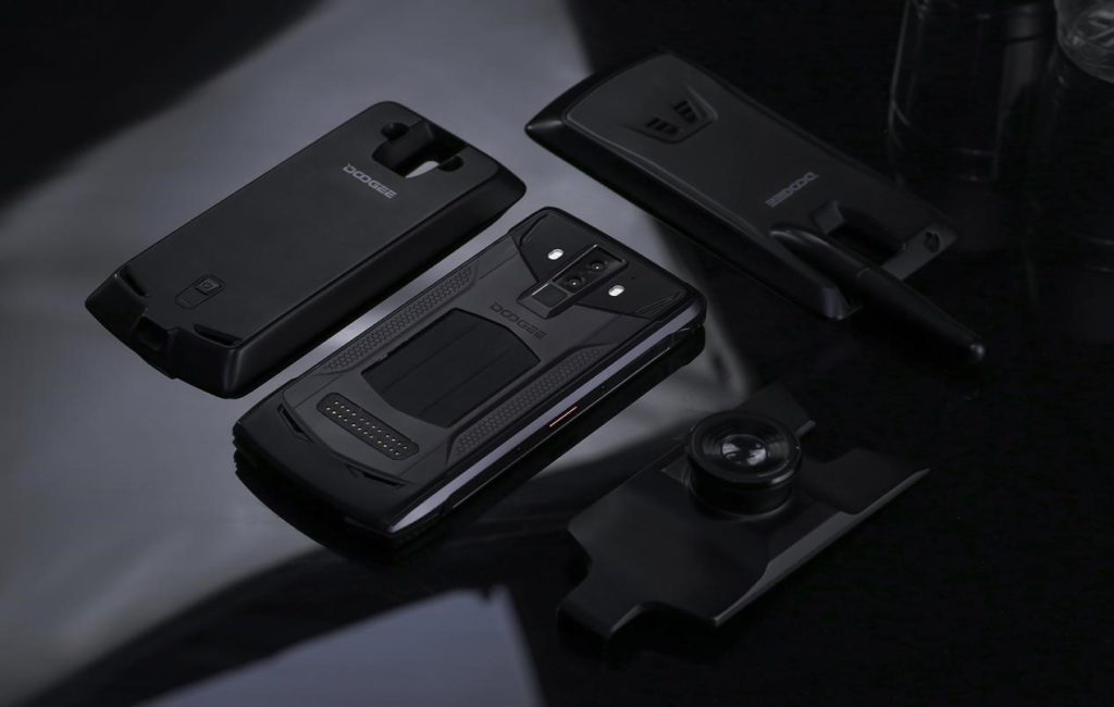 Doogee S90 – další pokus o modulární telefon