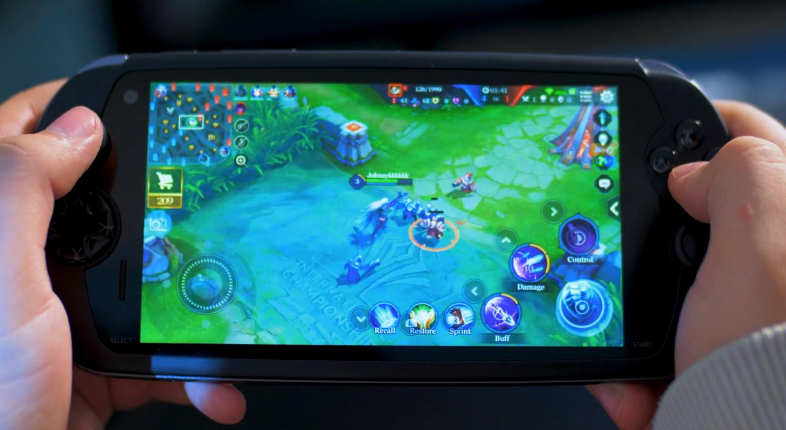 Moqi nabízí herní smartphone připomínající PlayStation Vita
