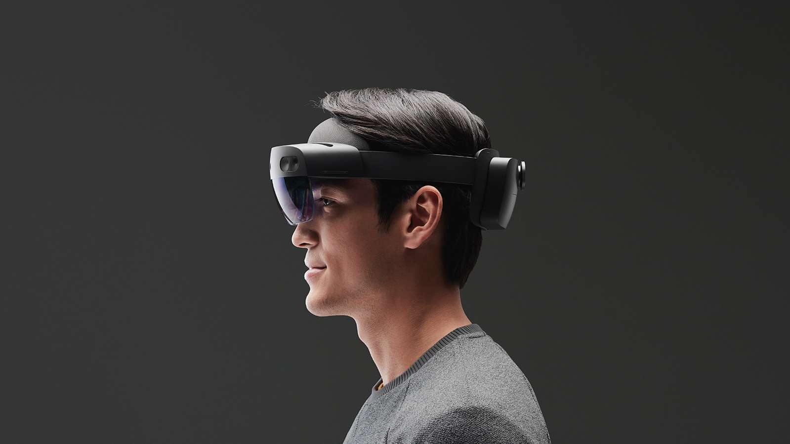 Microsoft uvedl HoloLens 2 Development Edition za 3500 dolarů [aktualizováno]