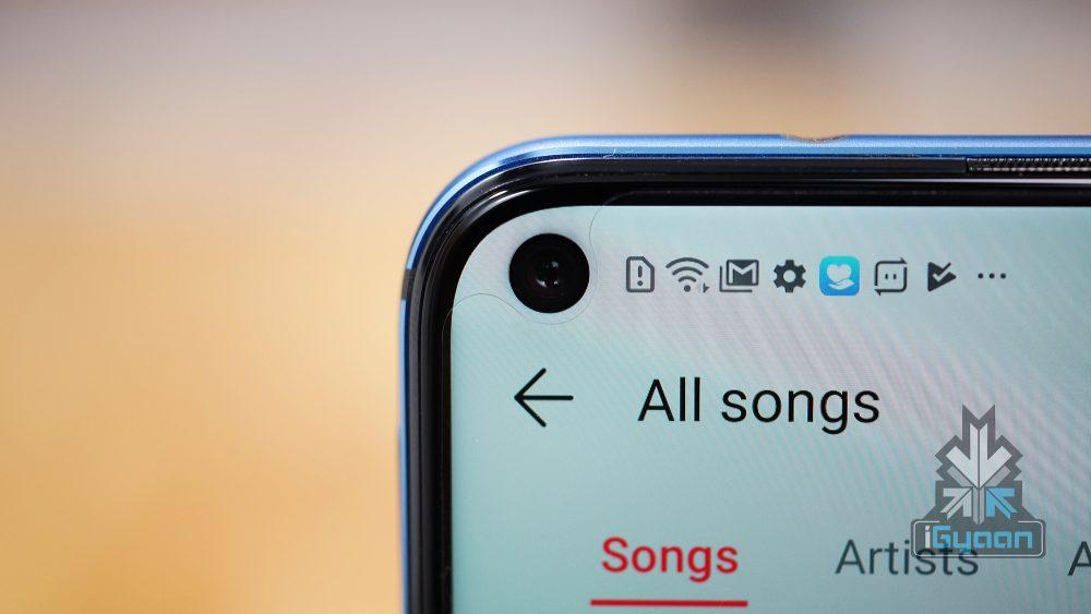 Xiaomi zřejmě nestačí jedna díra v displeji