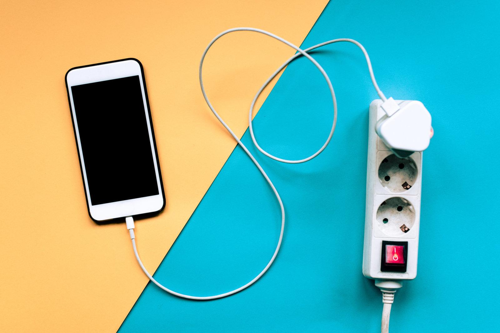 Apple bude opravovat iPhone i s neoriginální baterií