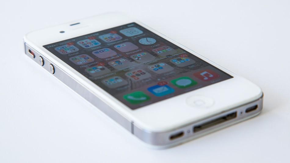 Apple opět před soudem, tentokrát kvůli starším iPhonům