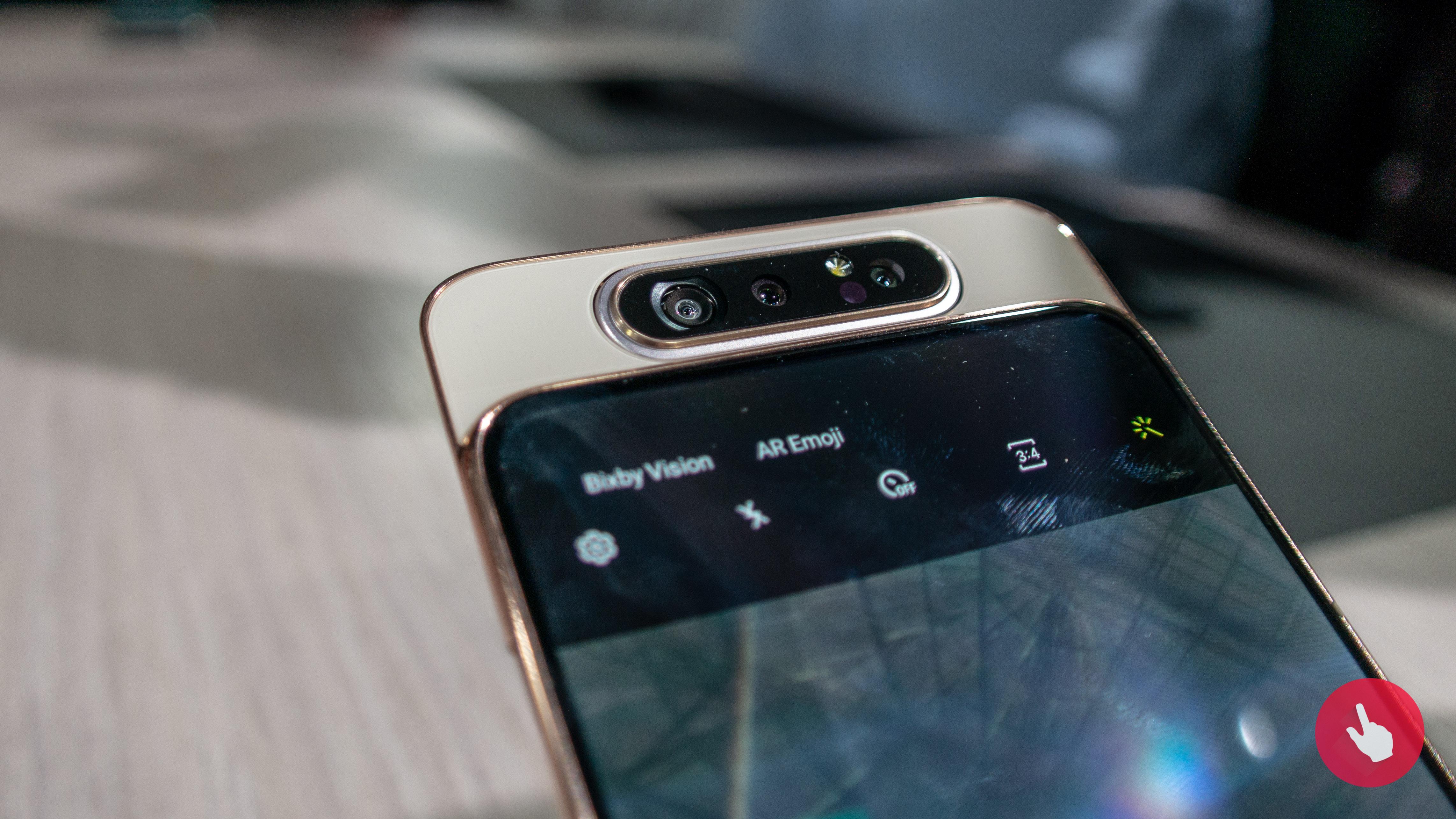 Samsung Galaxy A82 možná přijde s výklopnou kamerou