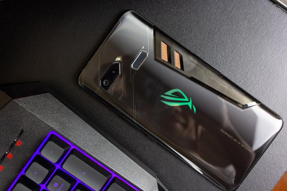 Možná se dočkáme druhé generace ROG phone, Asus plánuje novou verzi vydat již letos