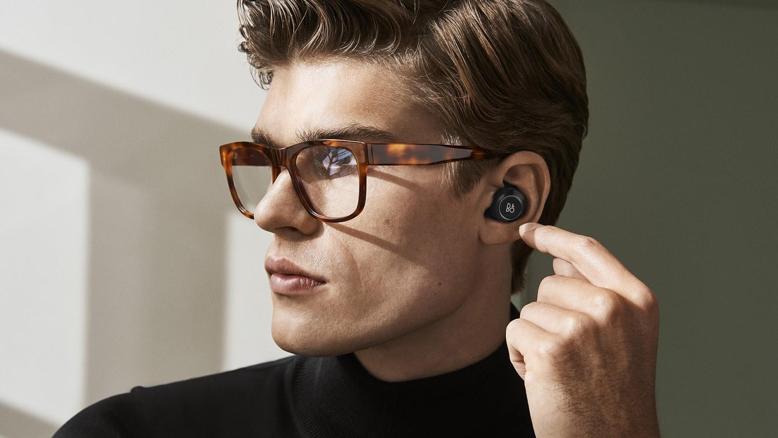 Microsoft chystá bezdrátová sluchátka Surface Buds