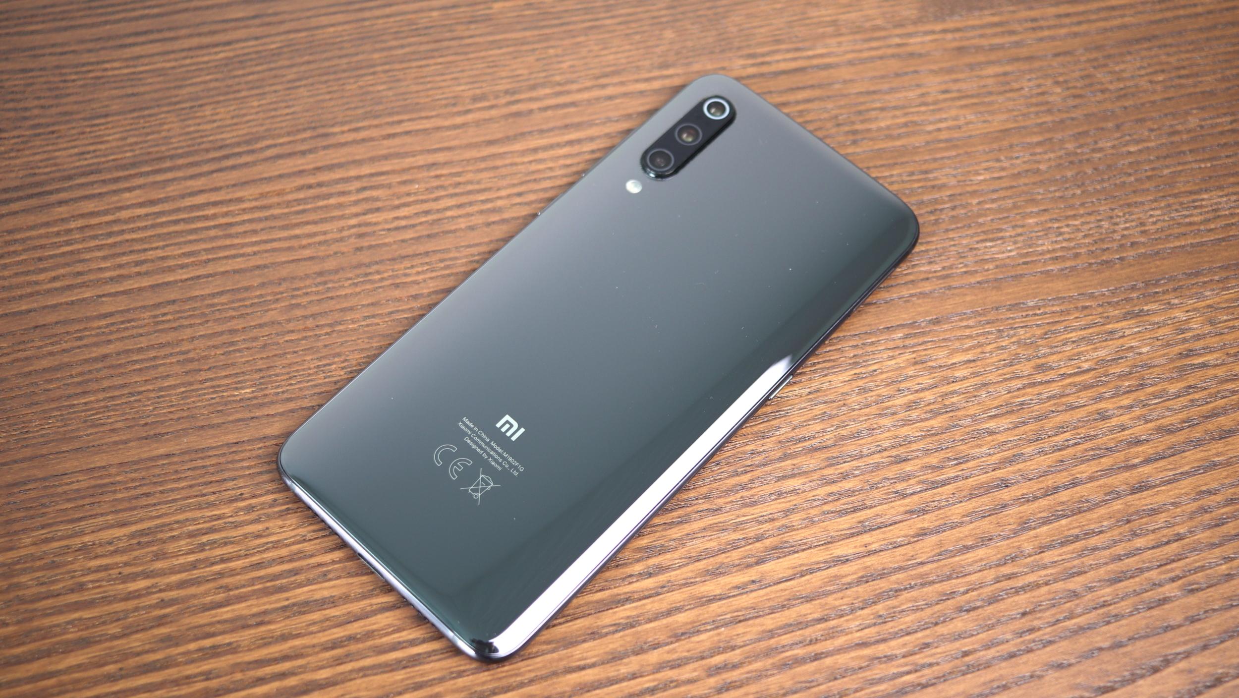 Xiaomi Mi 10 – poodhaluje se finální podoba [aktualizováno]