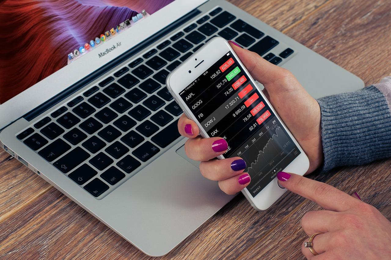 3 aplikace, se kterými můžete ihned začít investovat a získat více peněz [sponzorovaný článek]