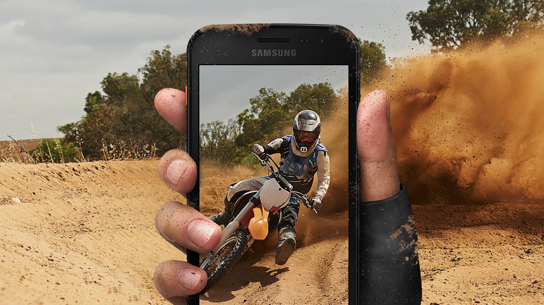 Samsung představil Galaxy XCover 4s, stojí 6 499 Kč