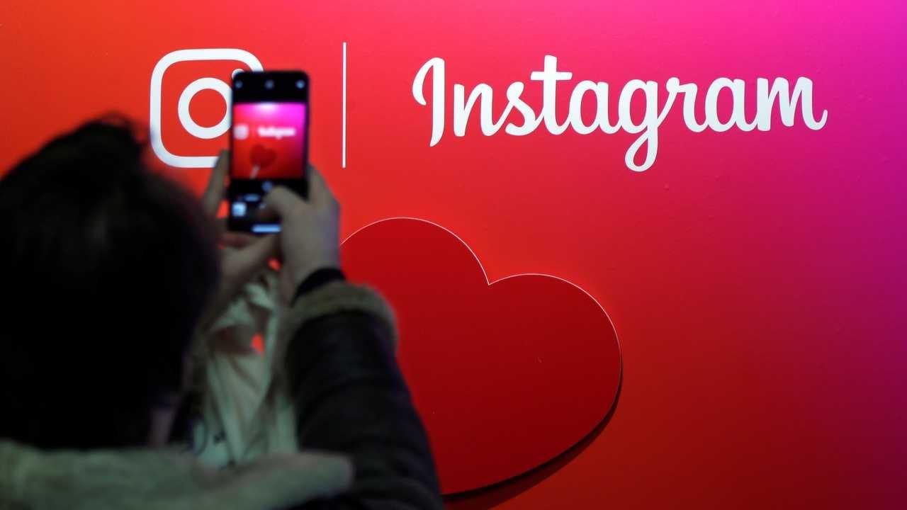 Instagram získává komunitní AR efekty pro Stories