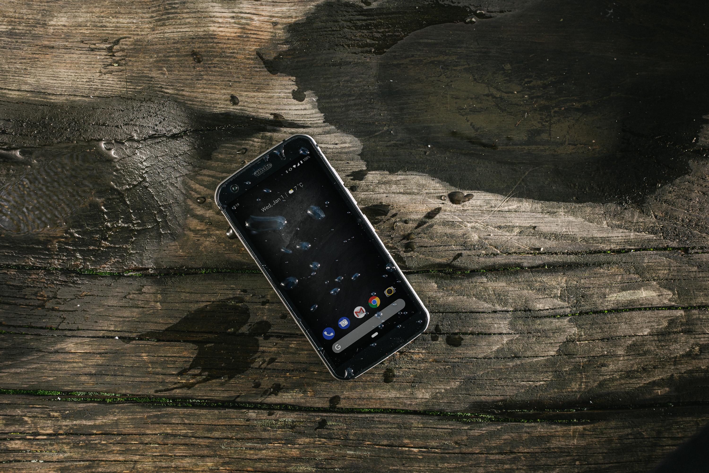 Cat S52 je nový odolný smartphone s vyšší cenou