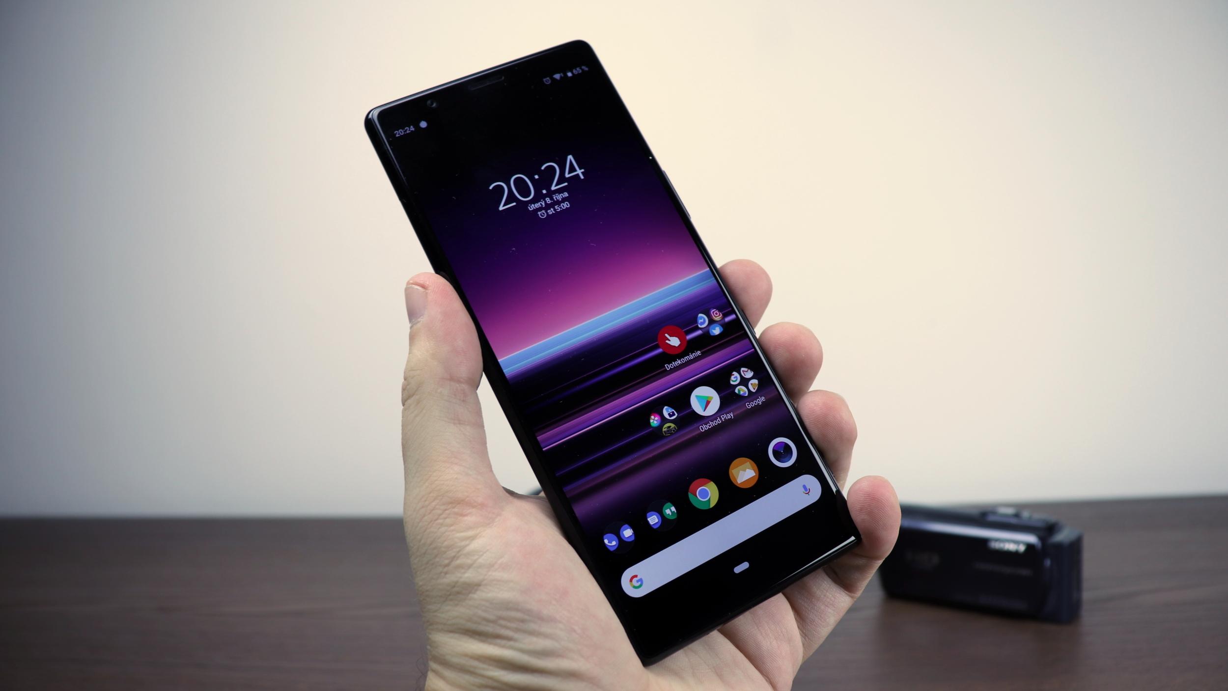 Xperia 3 bude mít protáhlý a zahnutý design