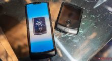 Xiaomi si patentovalo skládací telefon typu Motorola Razr