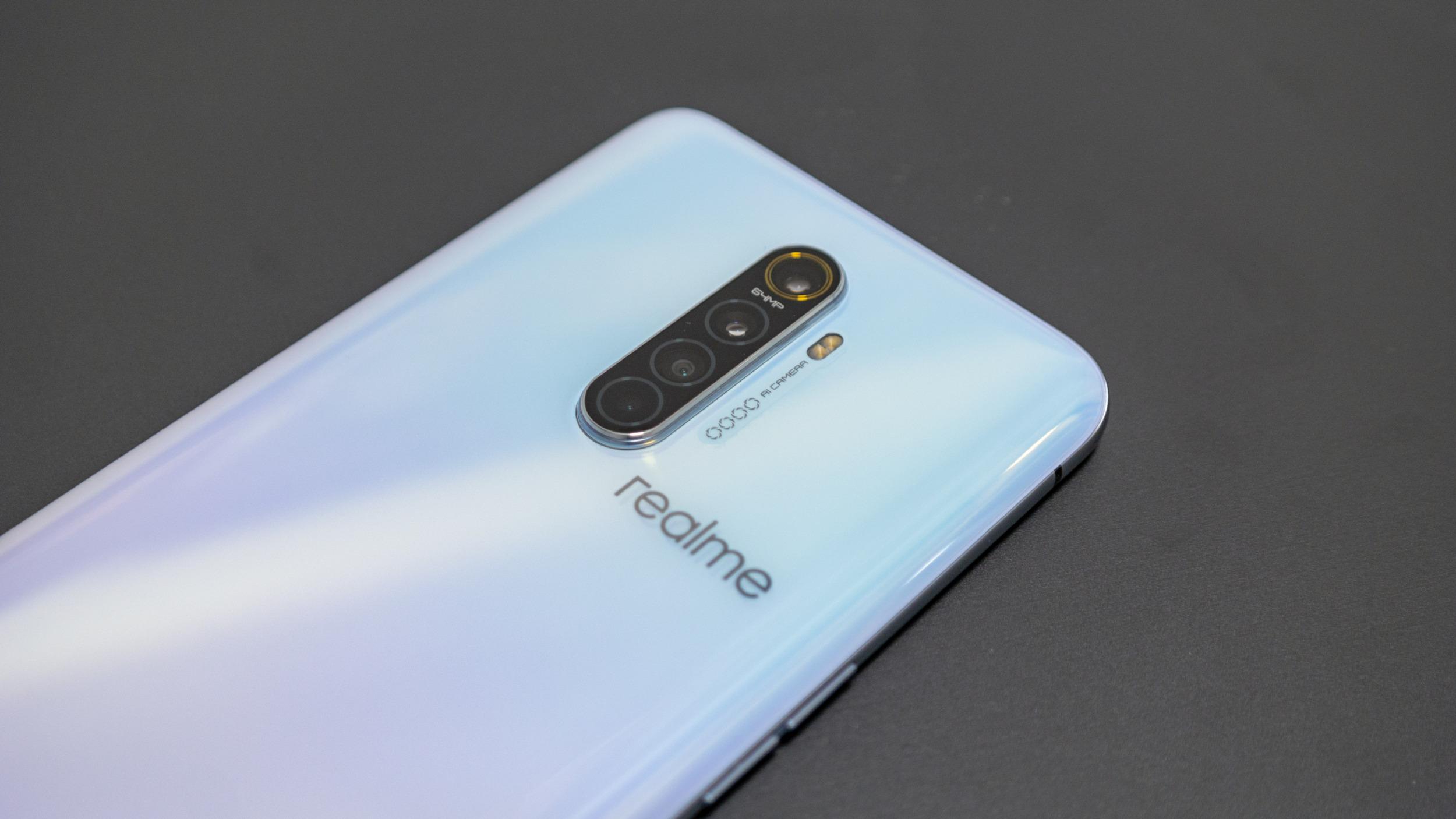 Realme vstupuje oficiálně na český trh s top modelem za 13 tisíc