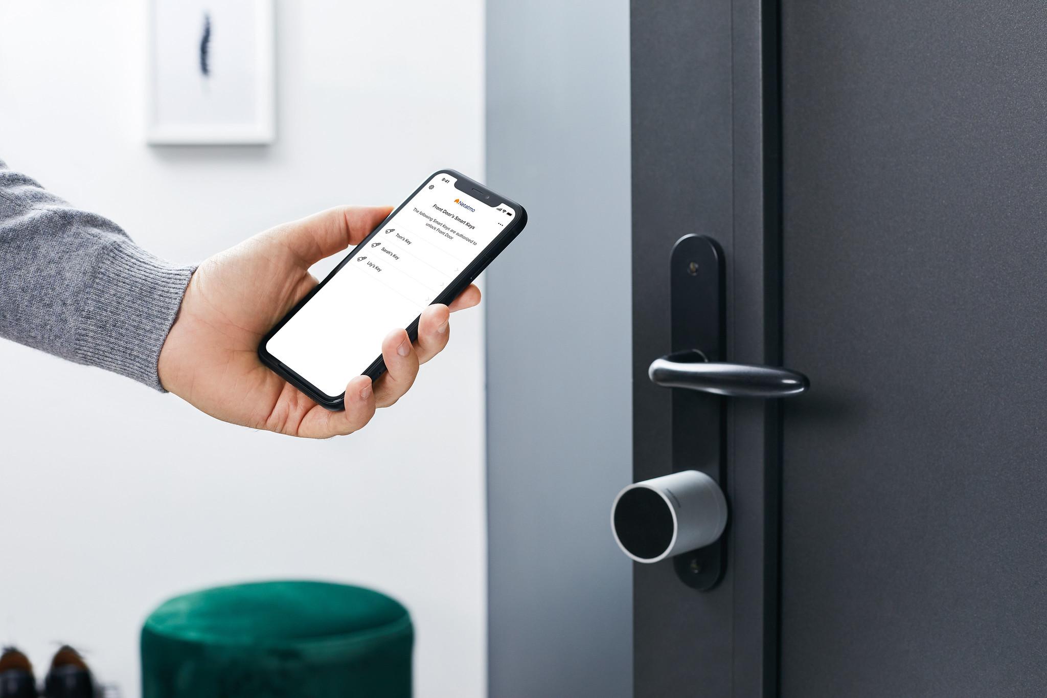 Chytrý zámek a klíč od Netatmo umožní odemykání dveří prostřednictvím telefonu