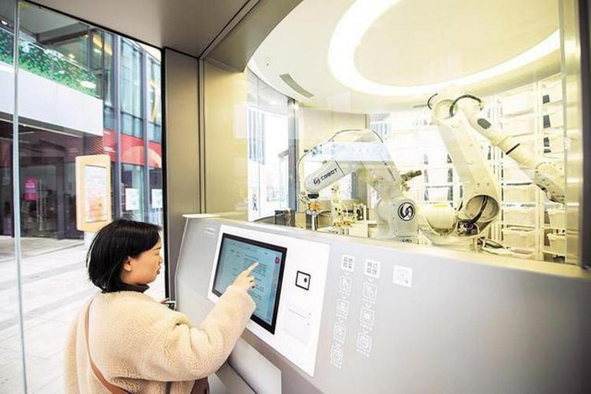Huawei má první prodejnu bez prodavačů