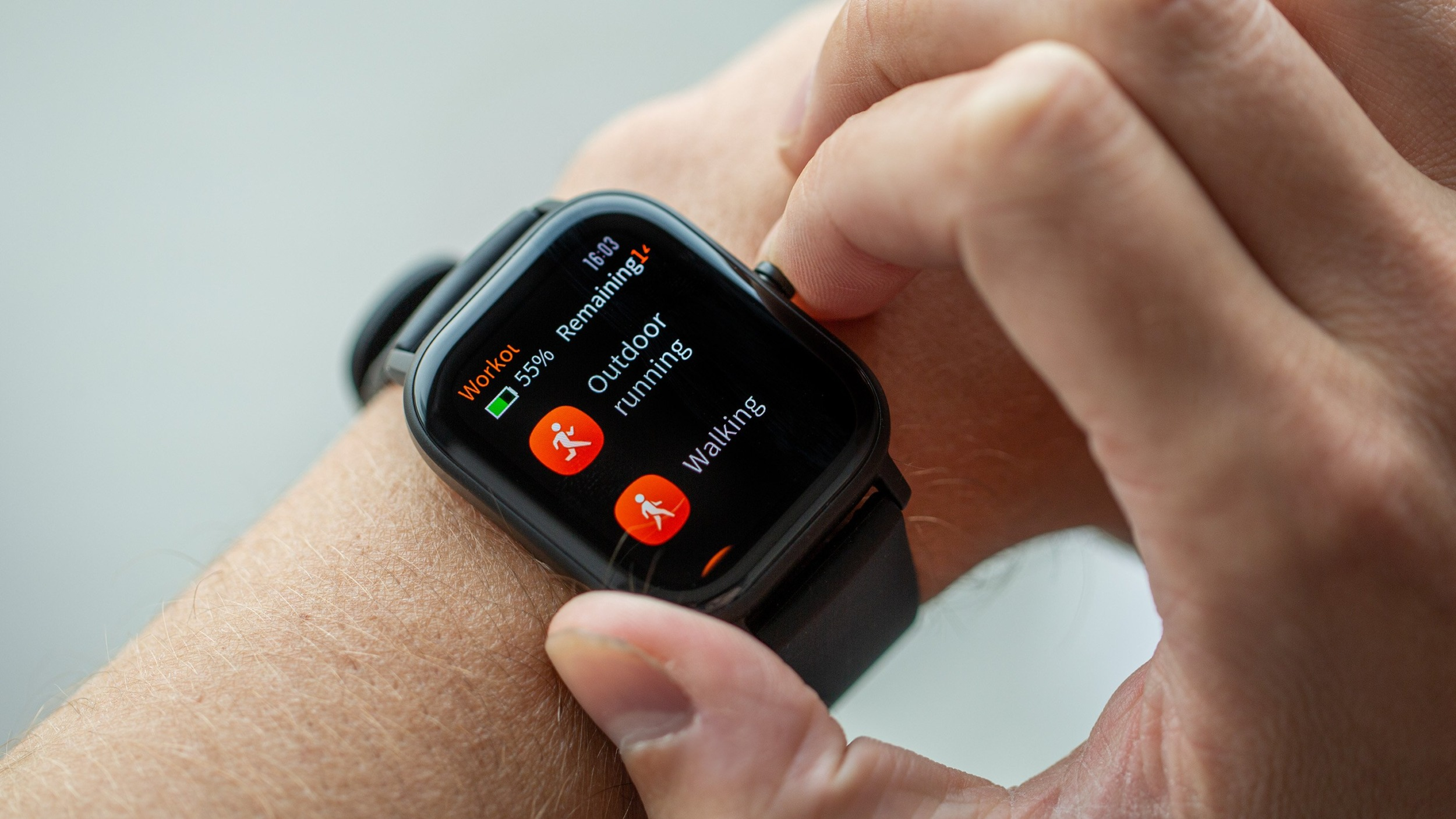 Chytré hodinky a náramky Amazfit od Xiaomi nyní v akci na Gearbestu [sponzorovaný článek]