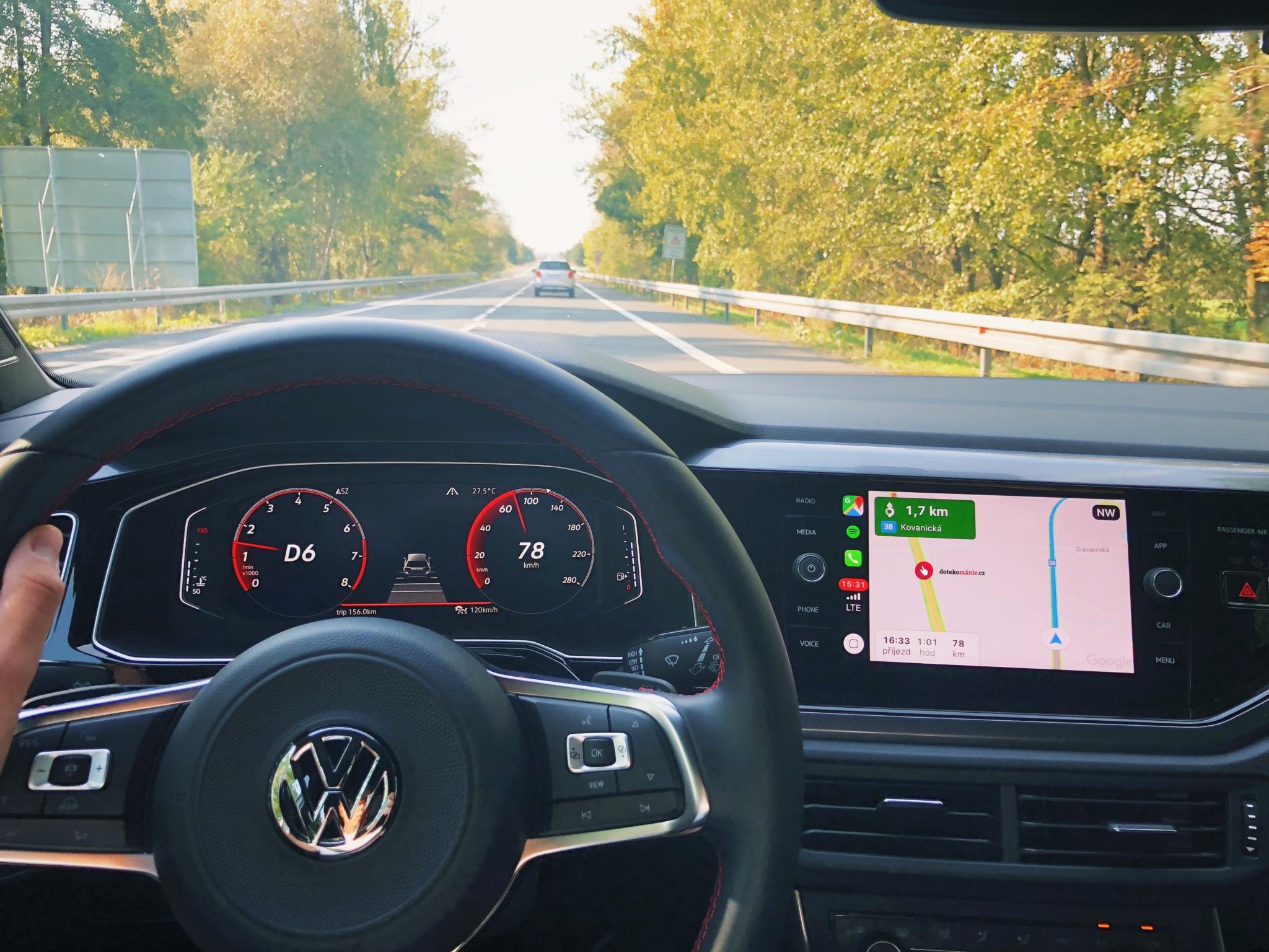 """CarPlay se dočká """"nejzbytečnější"""" funkce"""
