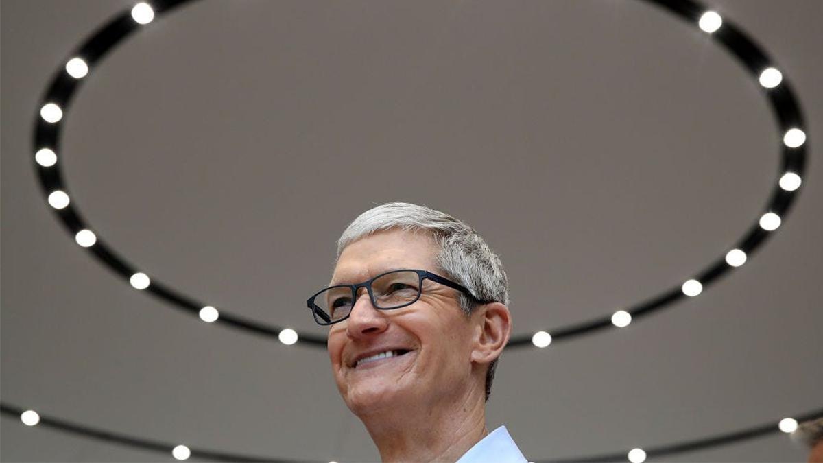 Apple koupil AI startup pro možné vylepšení Siri