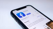 """Facebook nasazuje další designovou změnu, ale """"dark mode"""" to není [Android]"""