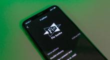 Fio banka přináší dark mode do své aplikace