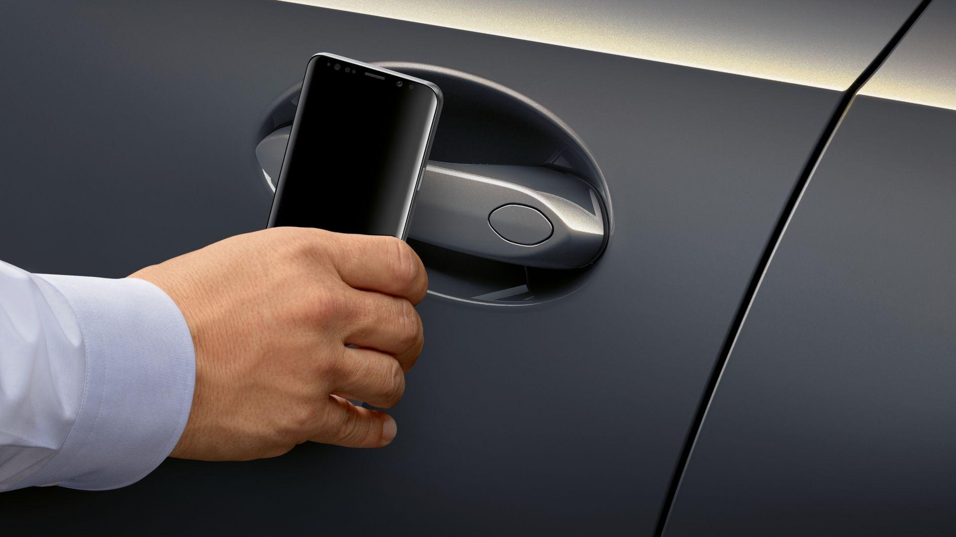 Apple prý pracuje s BMW na odemykání aut iPhonem pomocí U1 čipu