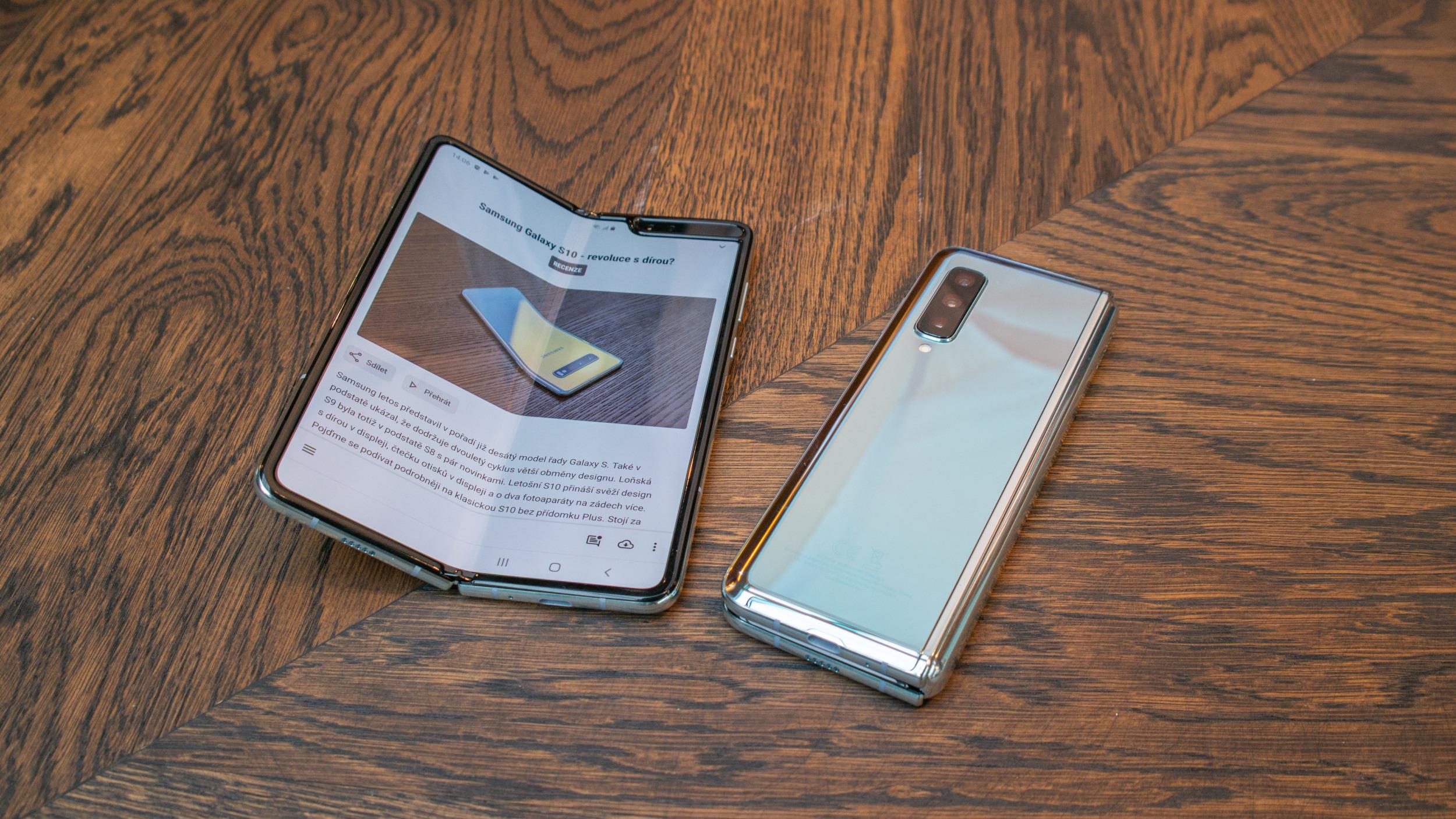 Levnější ohebný Samsung má dorazit na začátku příštího roku
