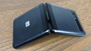 Samsung Galaxy Z Flip 3 3302x1862x