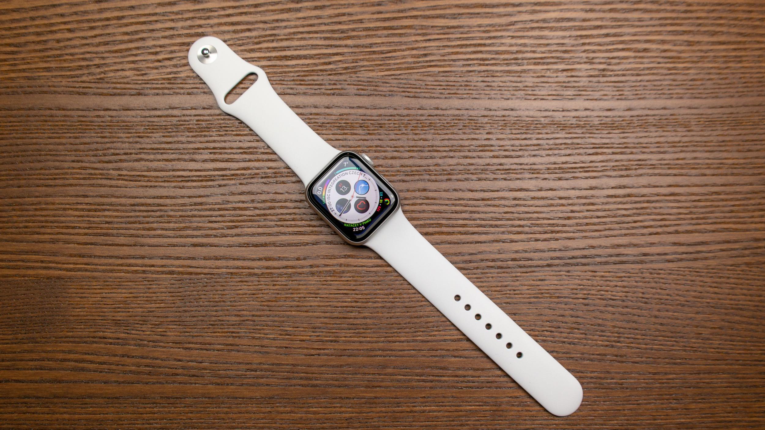 Apple vydal první betu watchOS 6.2.5