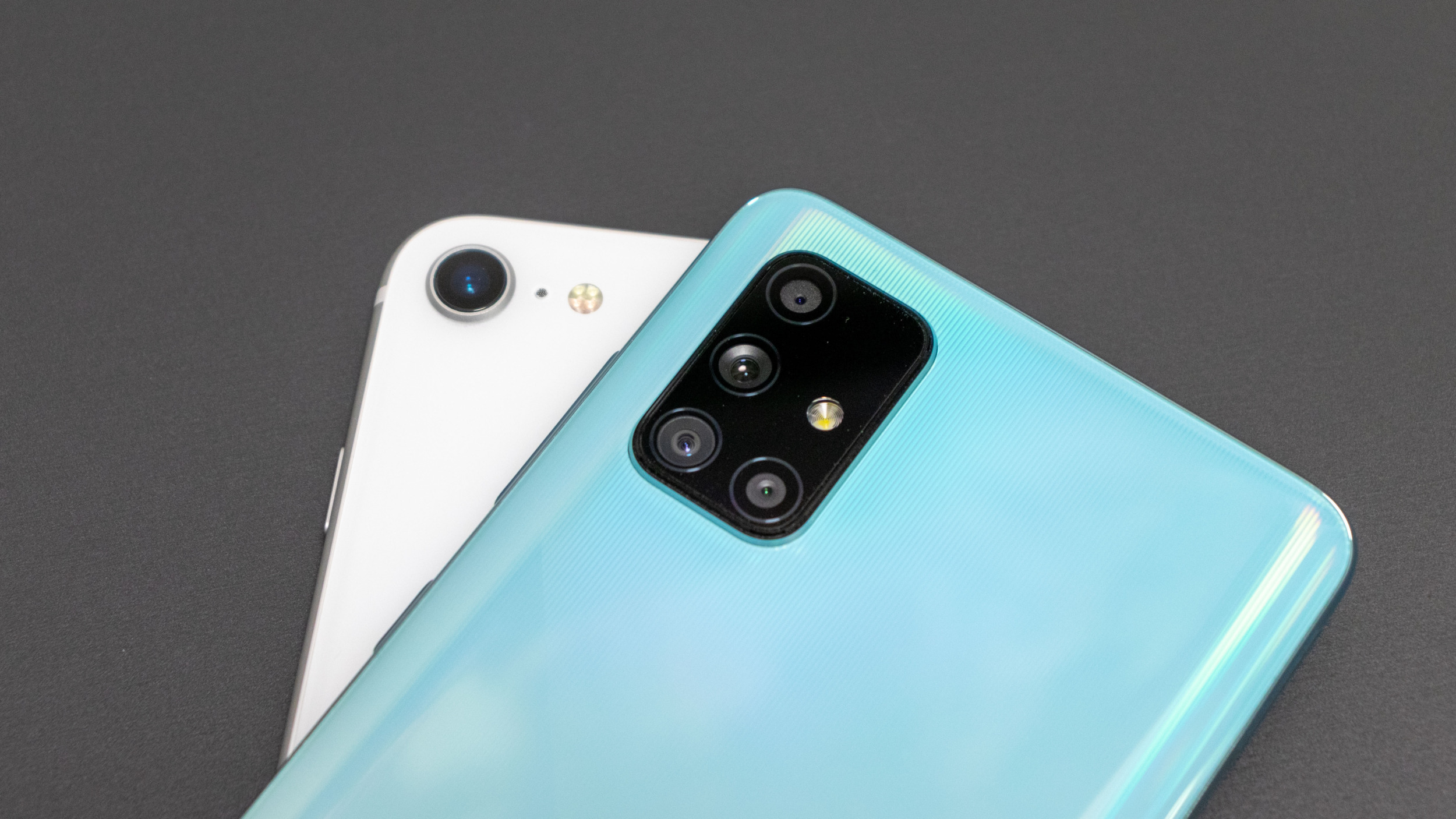 Fotoduel střední třídy – iPhone SE 2 vs Galaxy A71