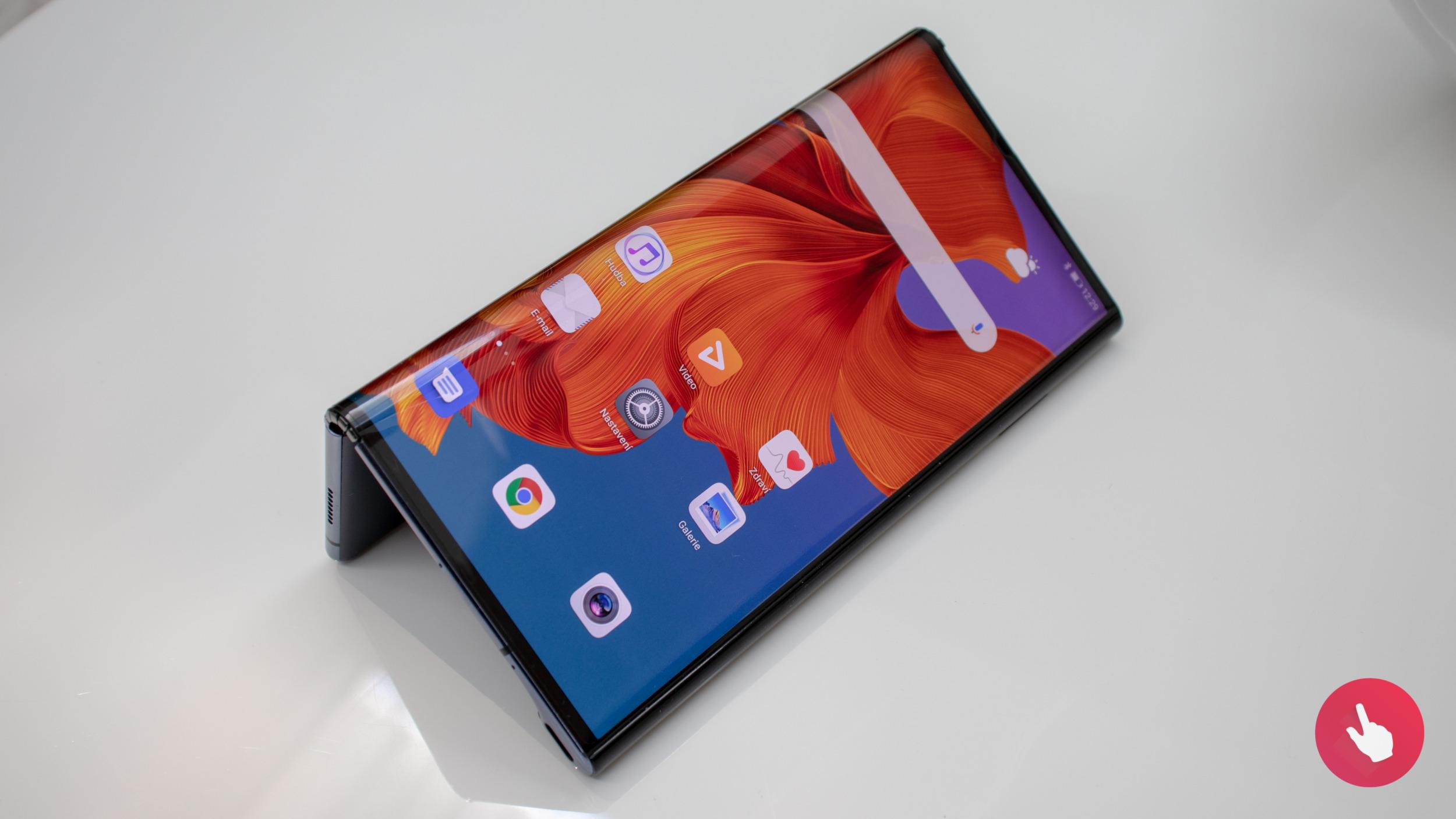 Huawei přišel zatím o 60 milionů dolarů na ohebných telefonech
