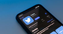 Twitter testuje funkci, kterou nás donutí sledovat více účtů