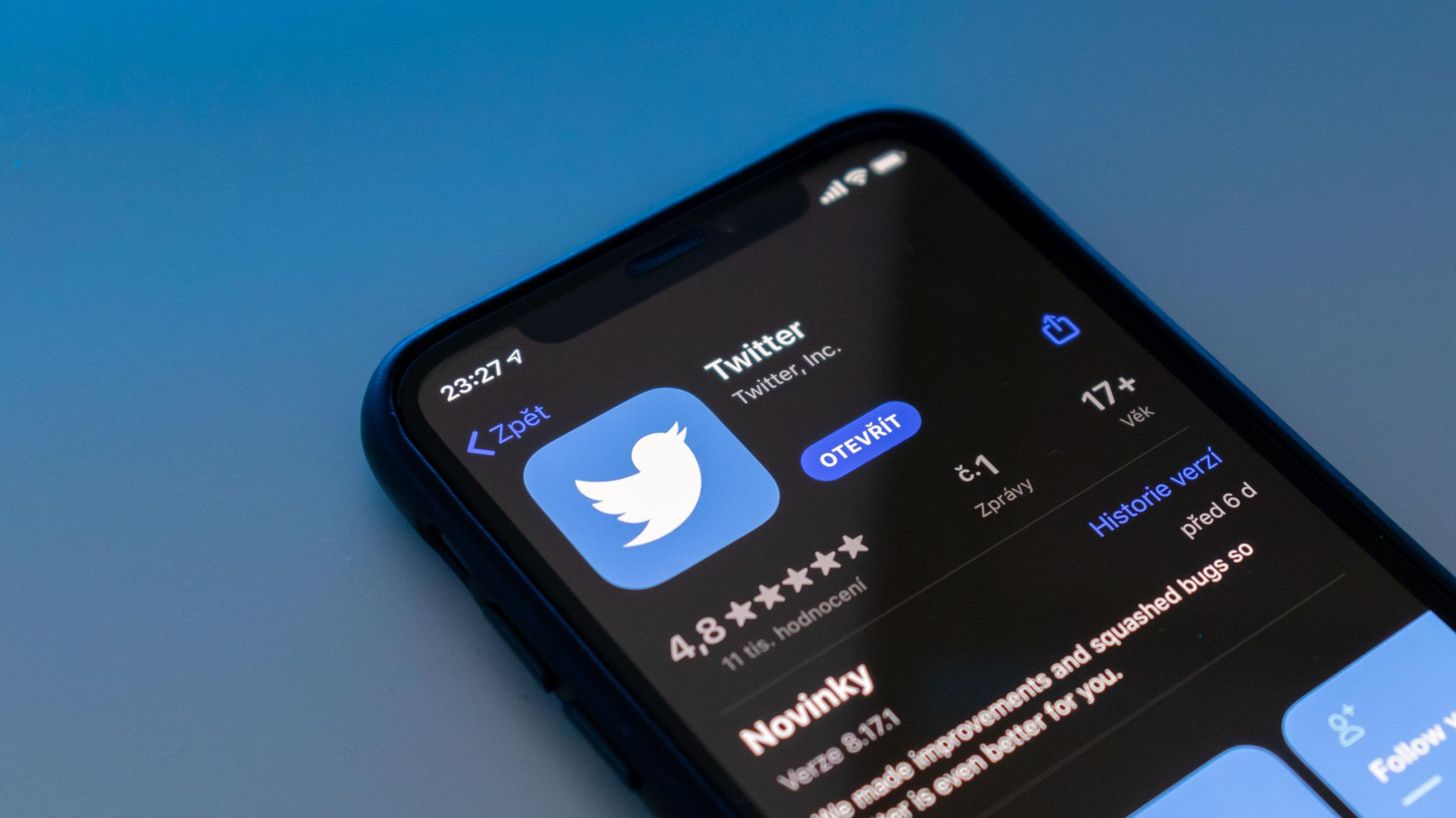 Twitter odstranil sdílení tweetů skrze SMS