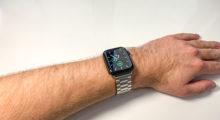 Apple Watch dříve a dnes: stále jde jen o doplněk k iPhonu [komentář]