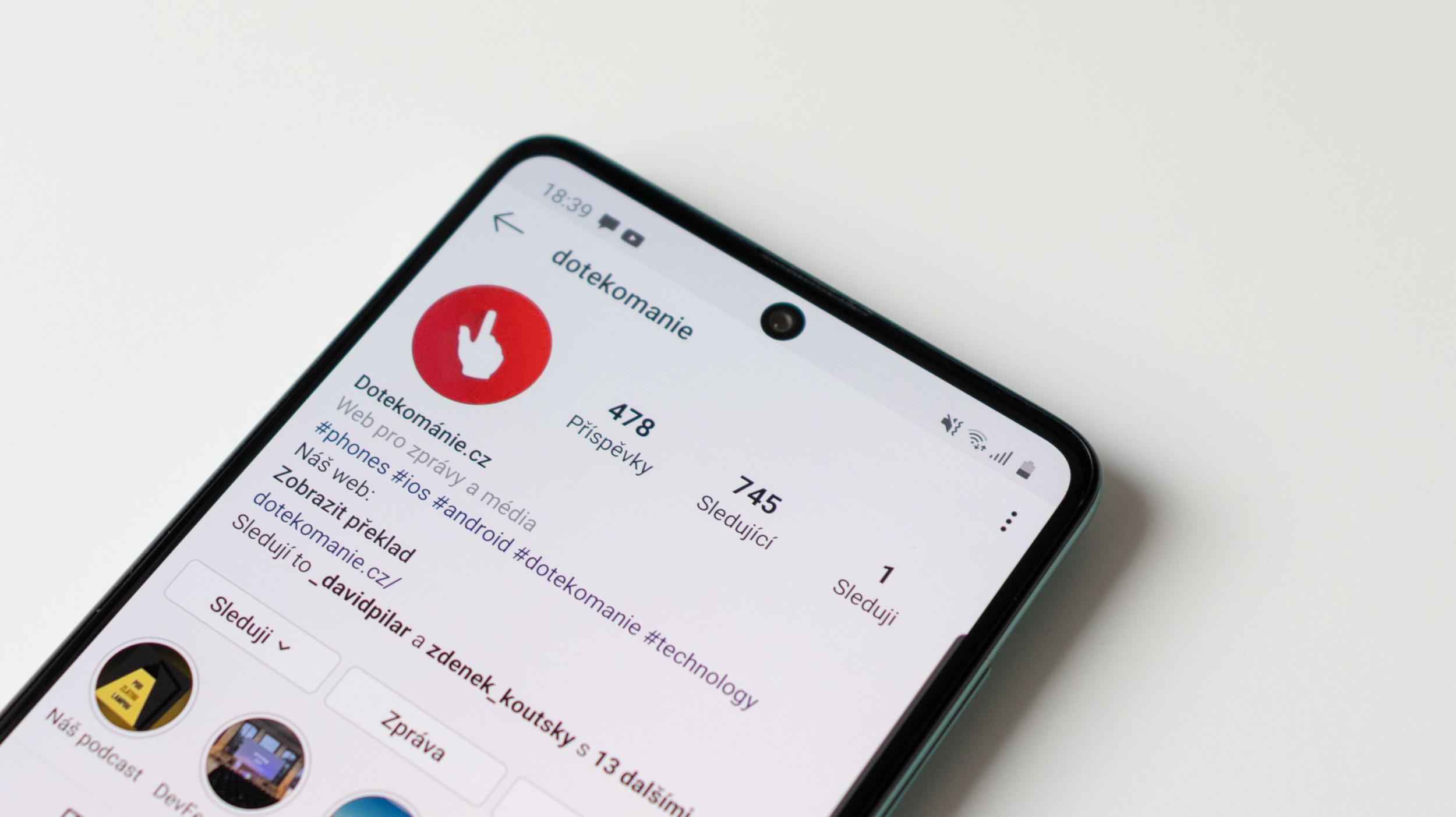 Instagram představil vlastní QR kódy