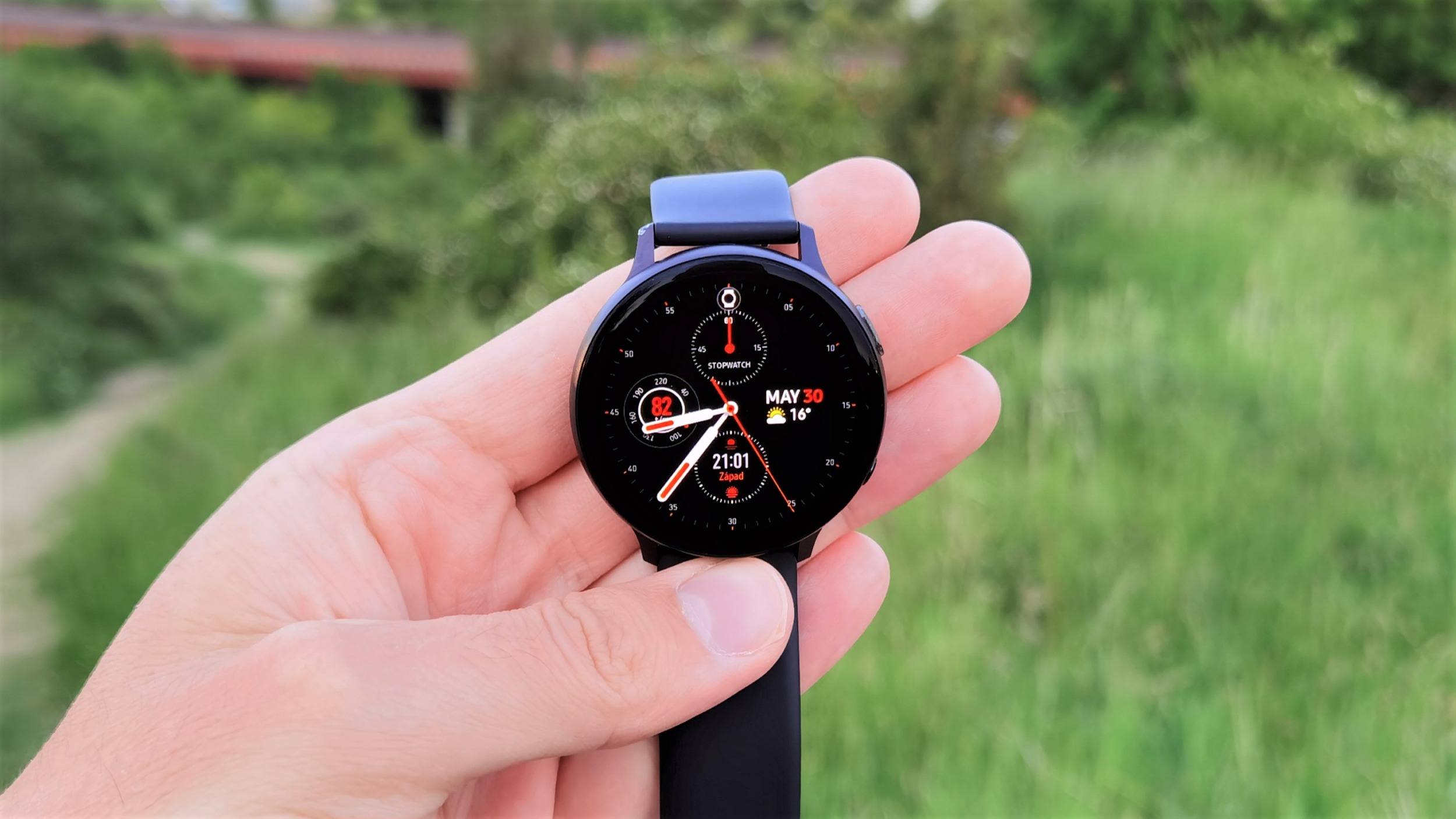 Galaxy Watch Active 2 – parťák na sport [recenze]