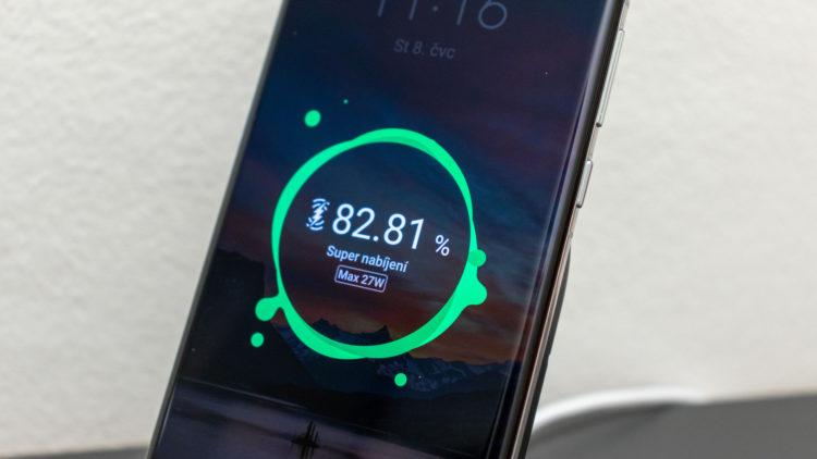 Huawei qi 40W 6 6000x3375x