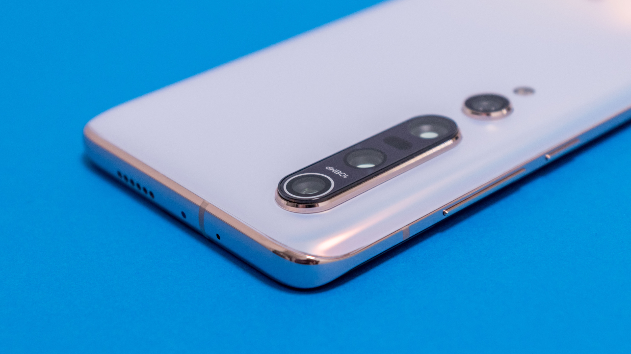 Xiaomi Mi 11 Pro má dostat QHD+ 120Hz displej