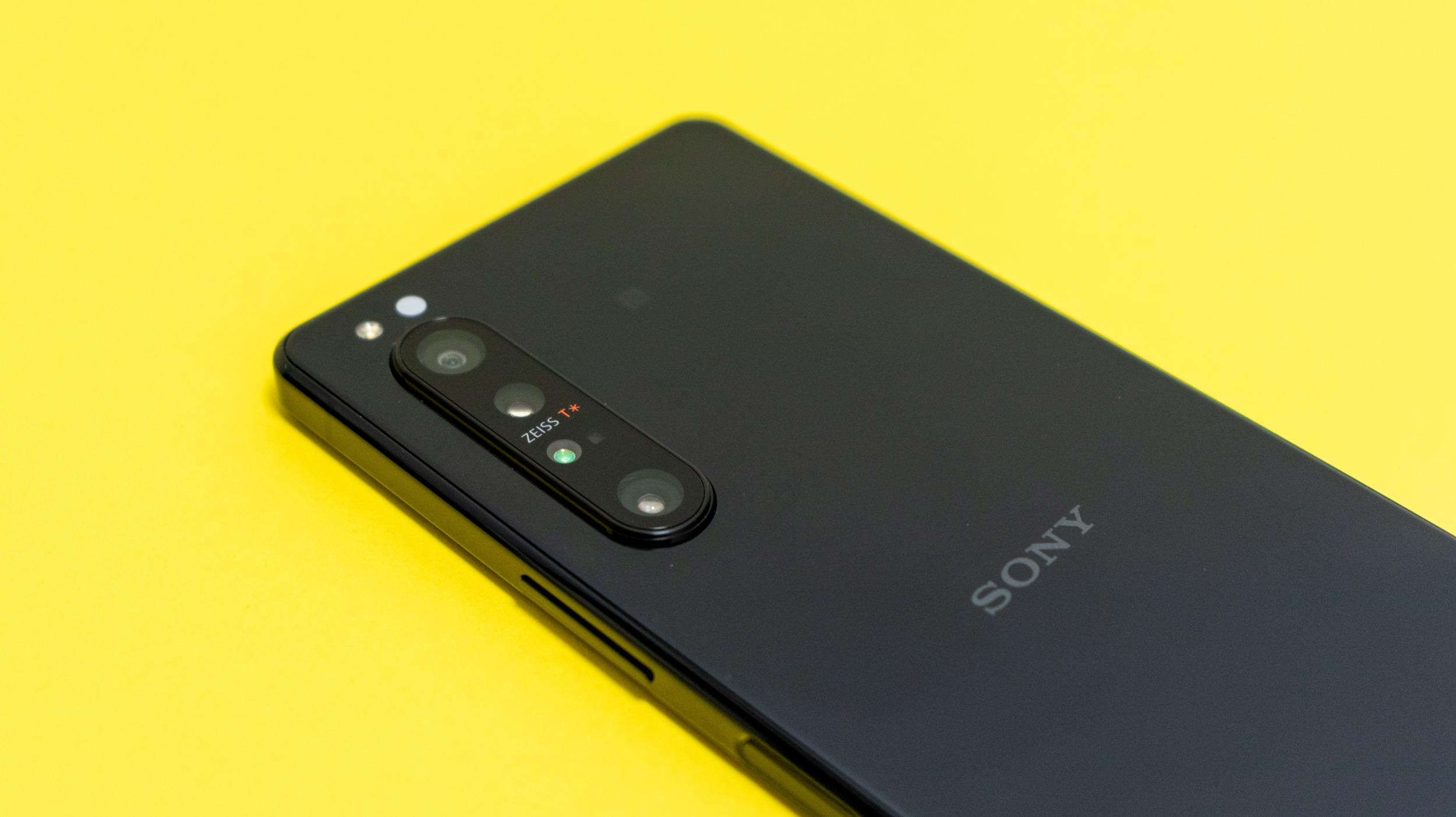 Sony a Android 11 – mobily s přislíbenou aktualizací