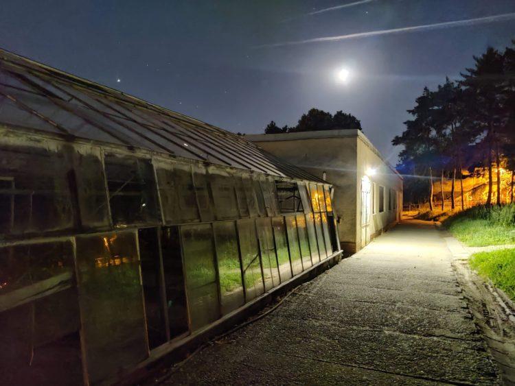 Noční fotka OnePlus Nord