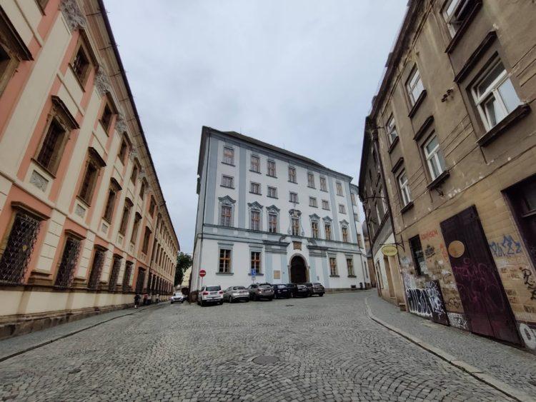 Fotografie pořízená širokoúhlou kamerou OnePlus Nord