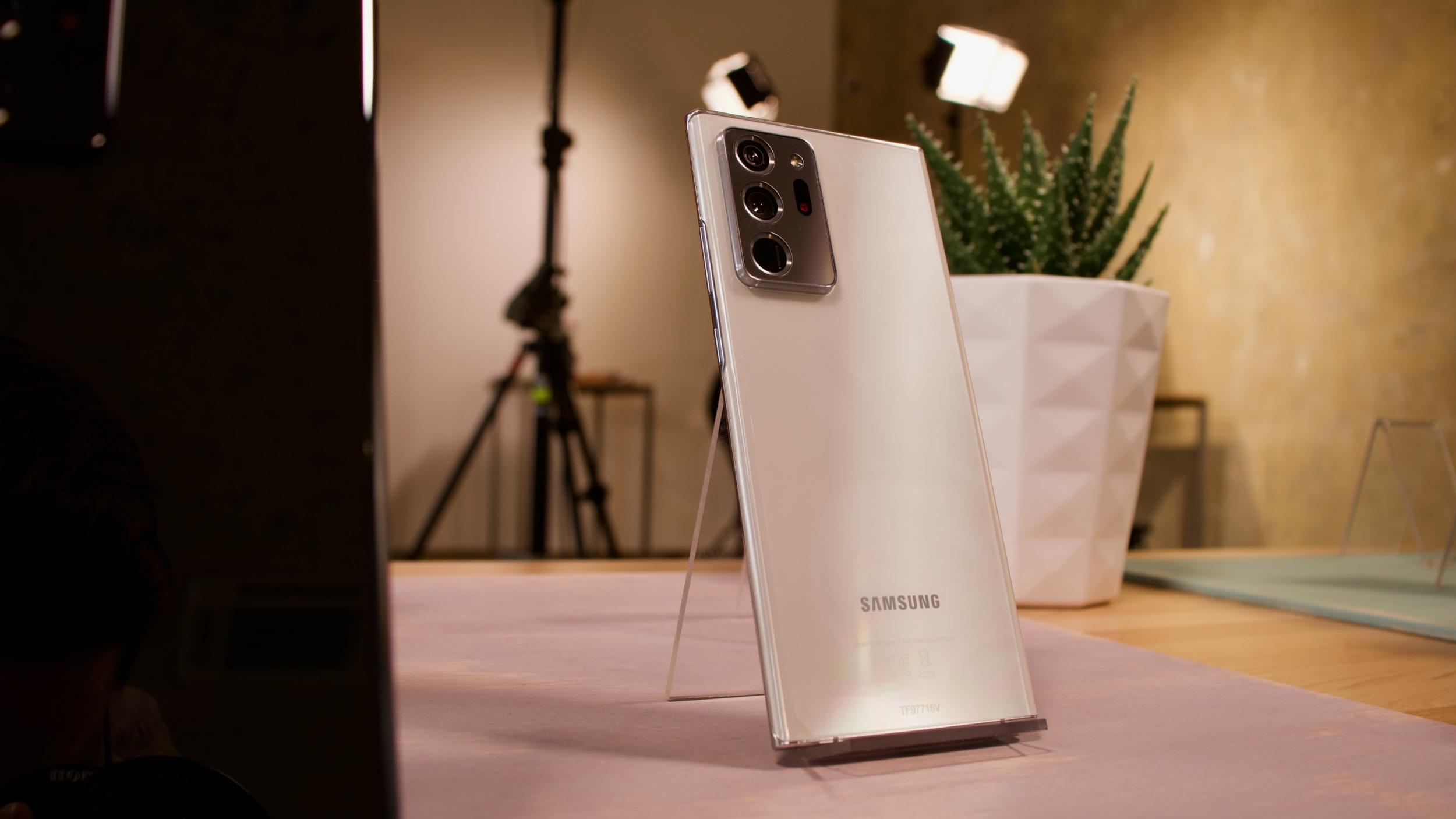 Samsung představil Galaxy Note20 a Note20 Ultra s cenou od 25 999 Kč