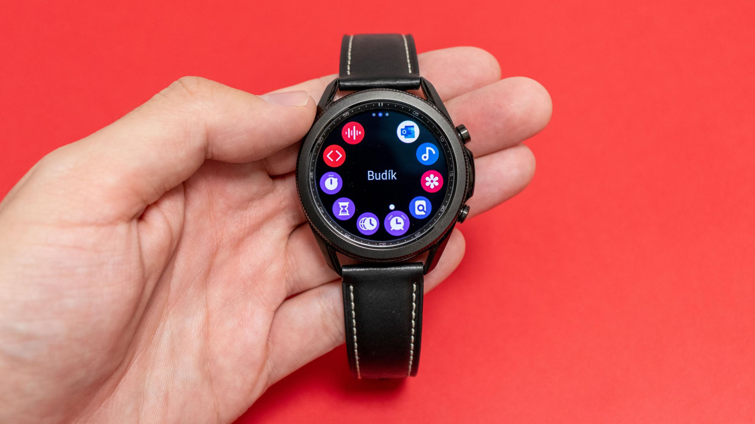 Samsung nabídne 3 roky podpory pro hodinky s Tizen OS