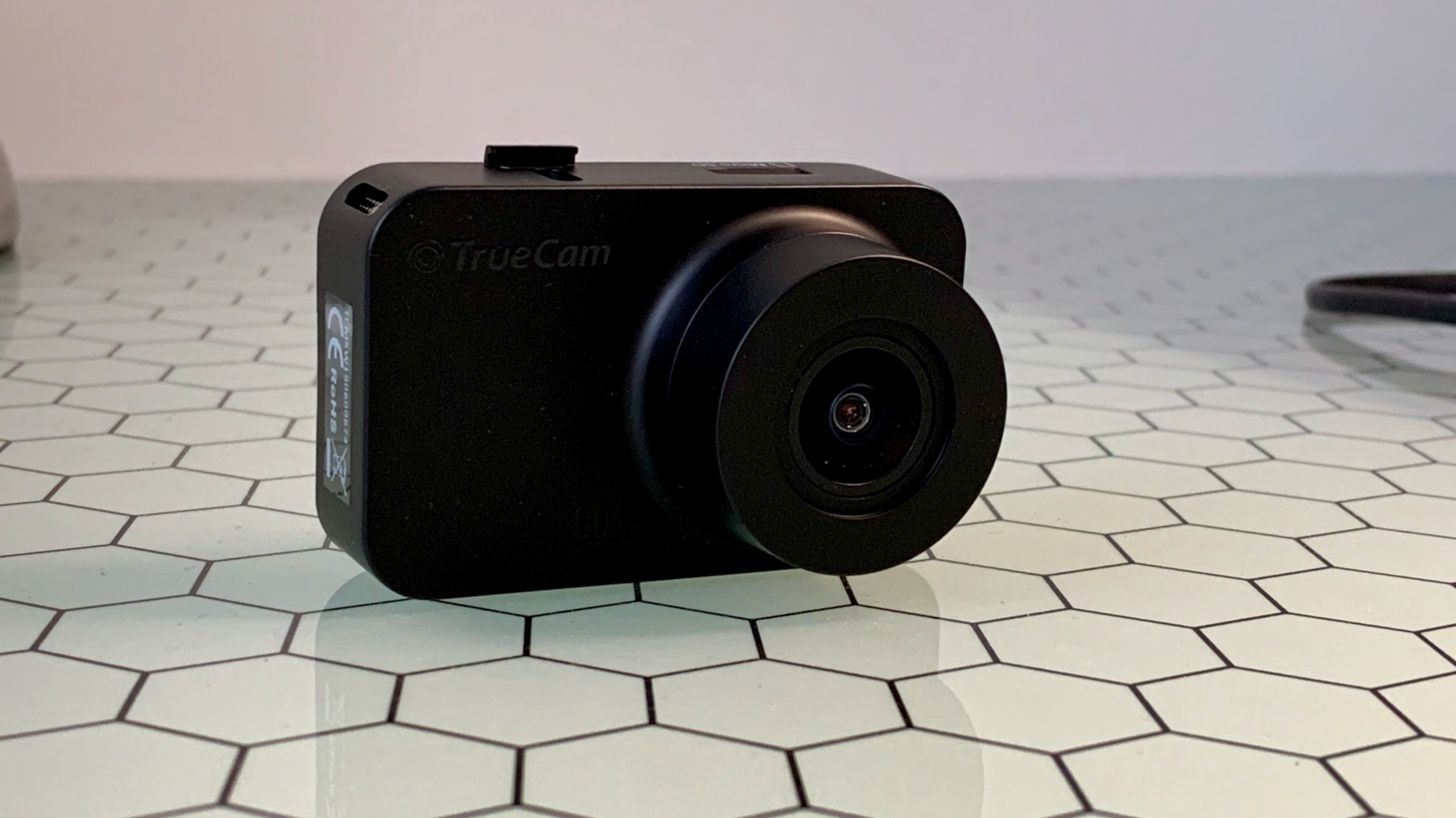 TrueCam M5 – kamera do auta, která splní svůj účel [recenze]