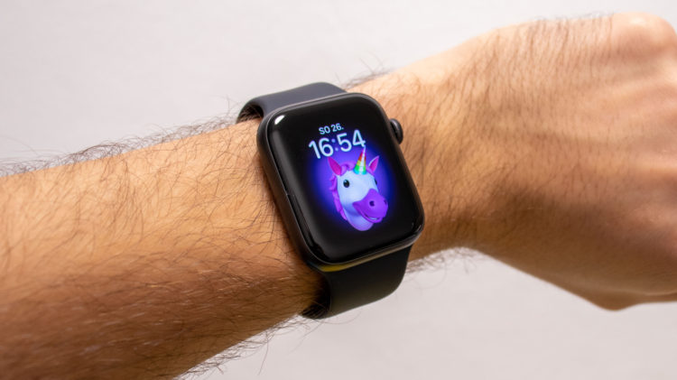 Apple Watch SE 20 3867x2171x