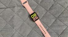 Apple Watch SE z pohledu ženy – jde jen o designový prvek? [recenze]