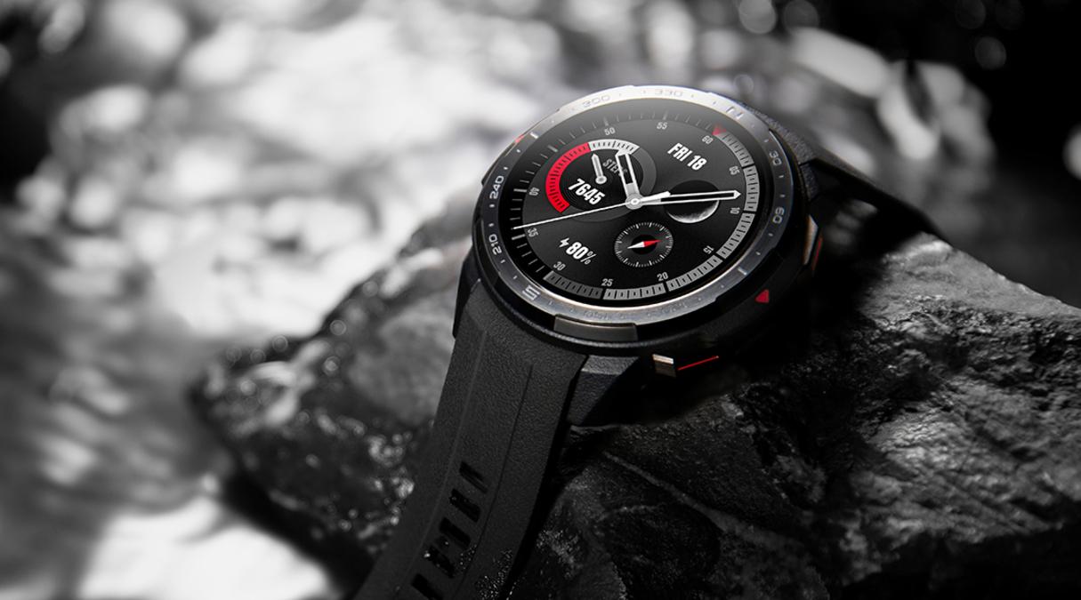 Přivítejte nadcházející lyžařskou sezónu s outdoorovými hodinkami HONOR Watch GS Pro [sponzorovaný článek]