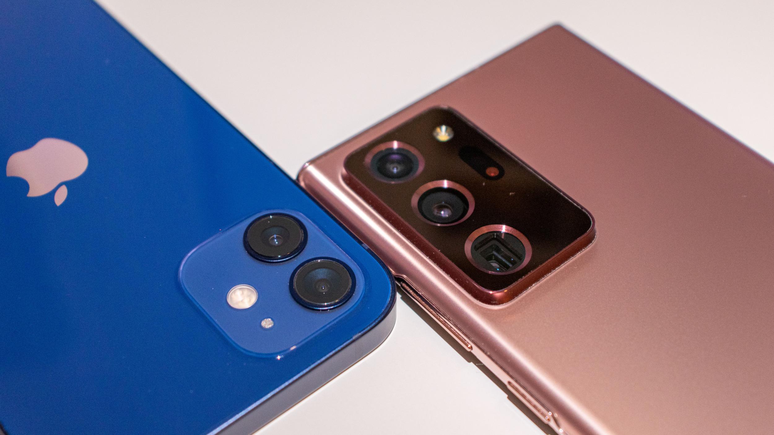 Poradí si v noci lépe iPhone 12 nebo Galaxy Note 20 Ultra? [fototest]