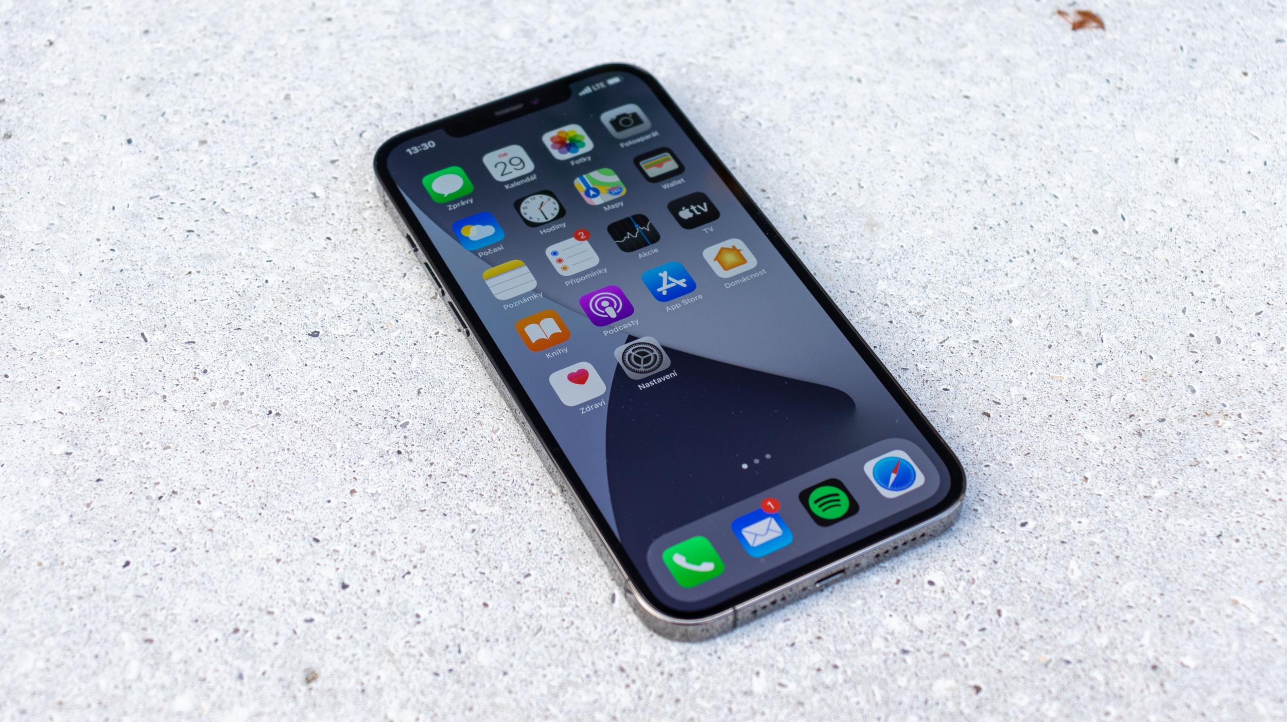 Apple si u EEC registroval budoucí iPhone 13
