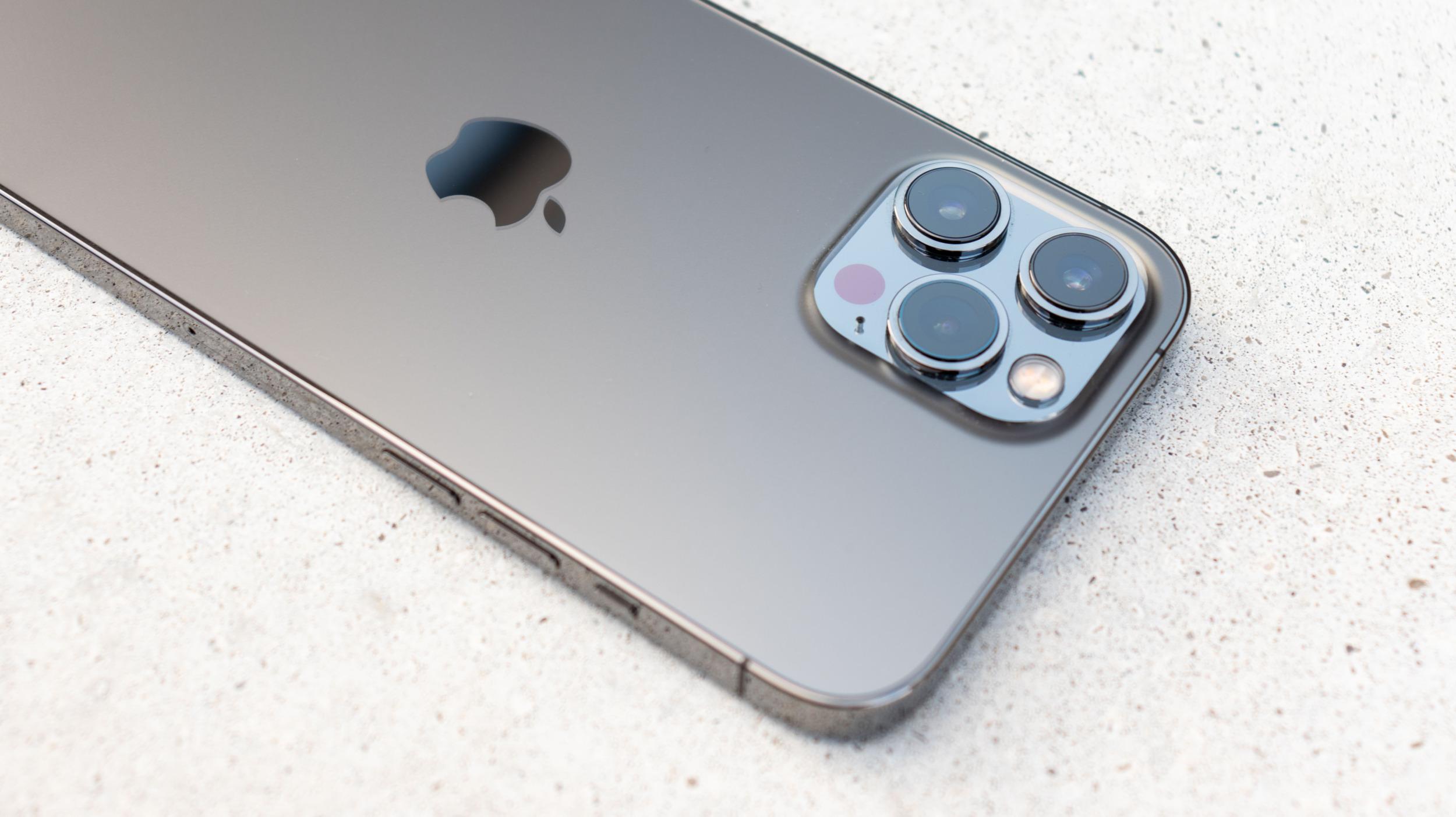 Za dva roky by mohl mít iPhone až 10násobný optický zoom