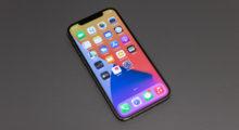 Seriál na Apple TV+ ukazuje iPhone bez výřezu displeje